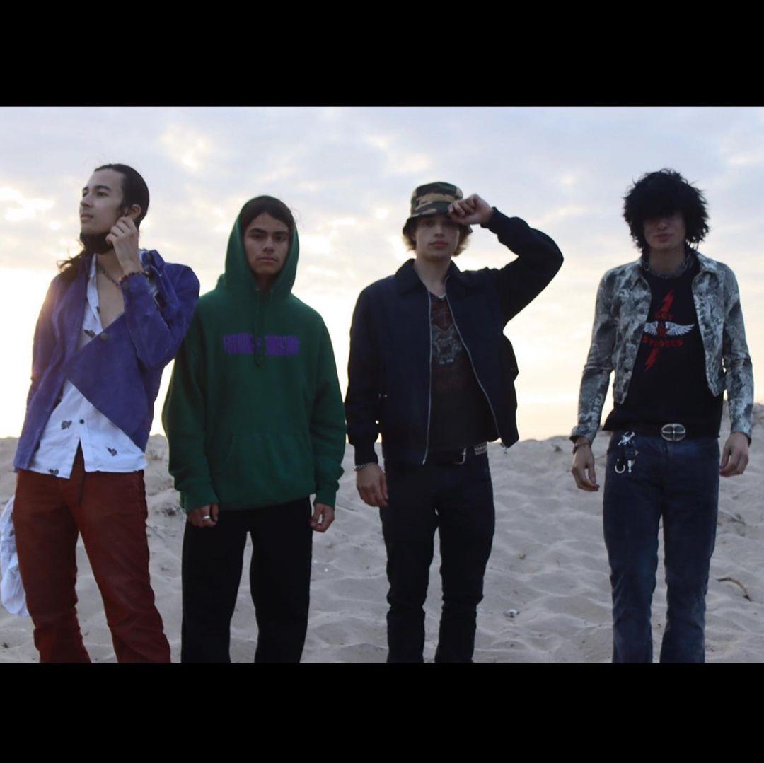 Filhos de figuras proeminentes do Rock unem-se e formam uma banda