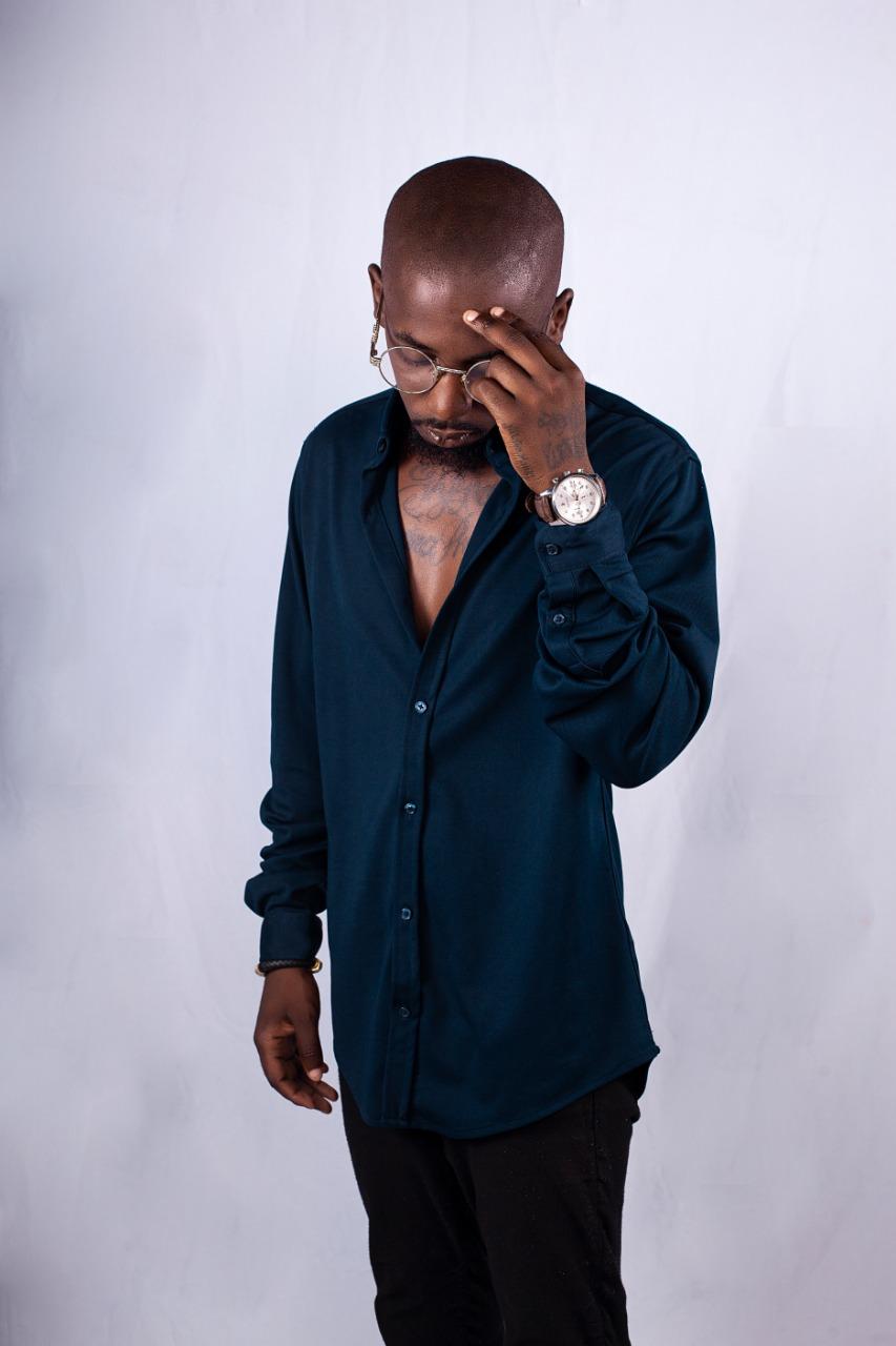 """Tyro: """"A música em Angola é um salve-se quem puder"""""""