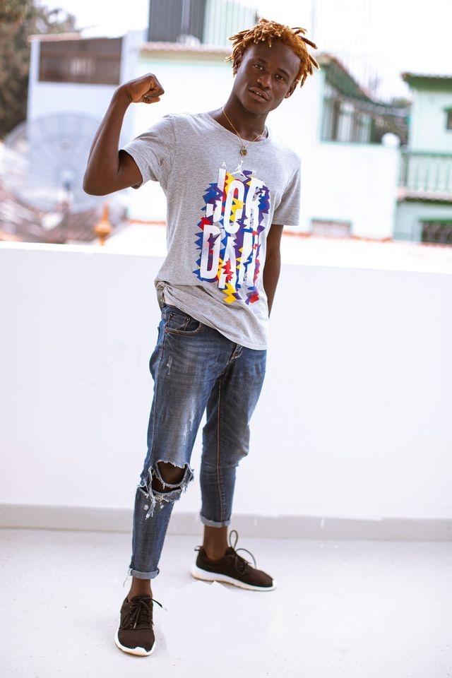 Kenny Flow Buah deixa  primeiras impressões do seu talento ao mundo