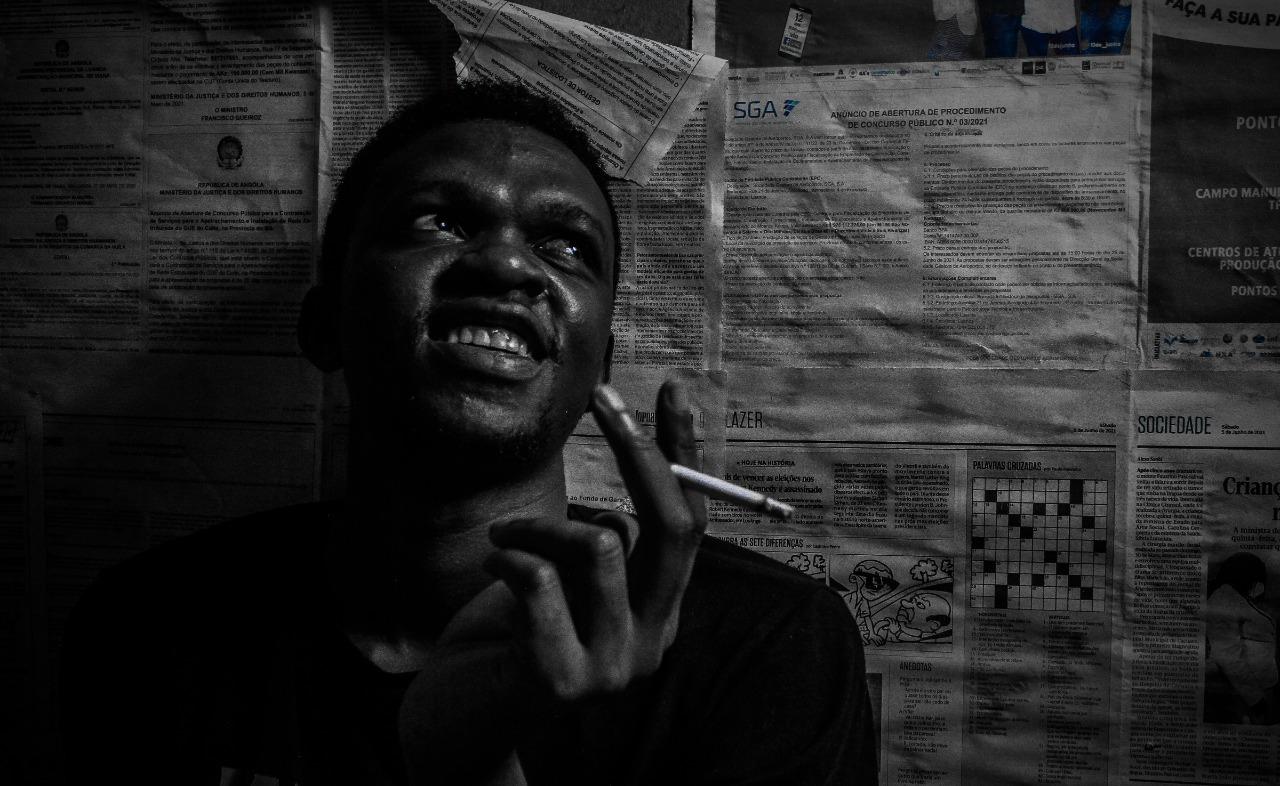 """Conheça Skit Van Darken, o autor de """"Angola Não Me Diz Nada"""""""